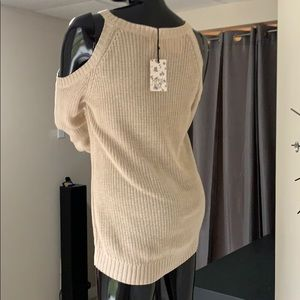 Hippie Rose cream off the shoulder sweater NWT
